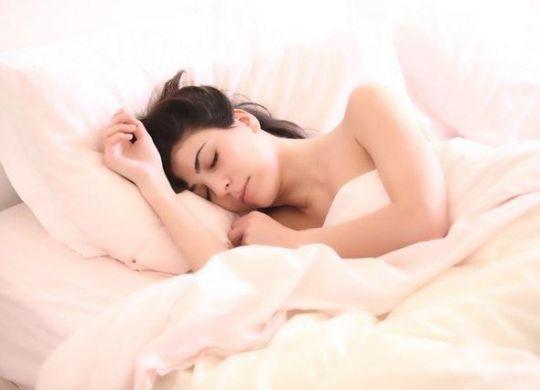 picture-sommeil-matelas-avec-bon-bon