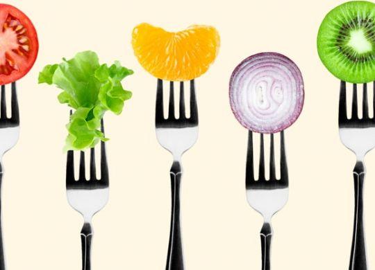 Manger cinq fruits et légumes par jour suffirait à couvrir les besoins de l'organisme.