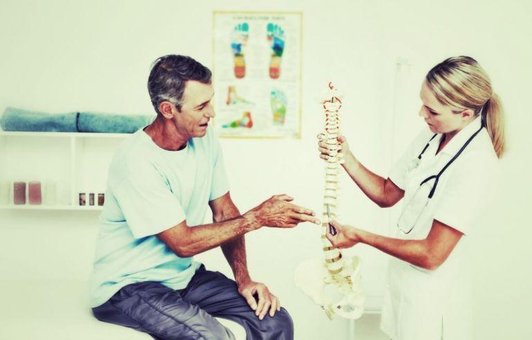 infirmiere montre hernie discale