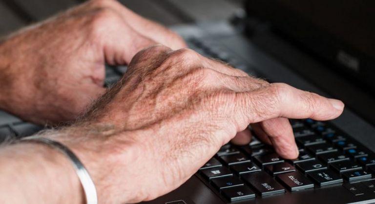 mains déformées par l'arthrite
