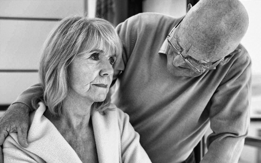 femmes souffrant d'Alzheimer
