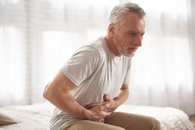 Homme Douleurs estomac
