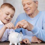 papa donne argent a son fils