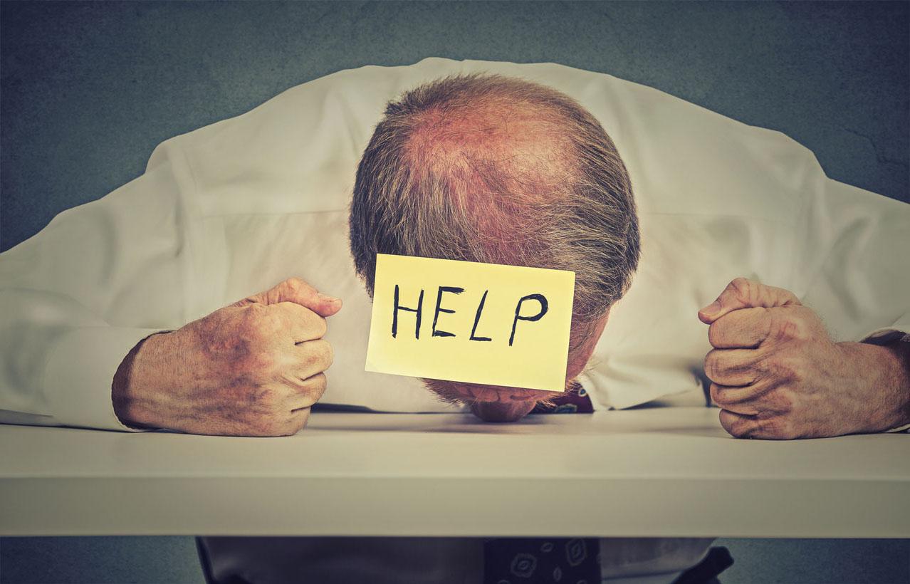 https://www.reponses-bien-vieillir.fr/sante-bien-etre-senior/cheveux-pourquoi-tombent-ils/