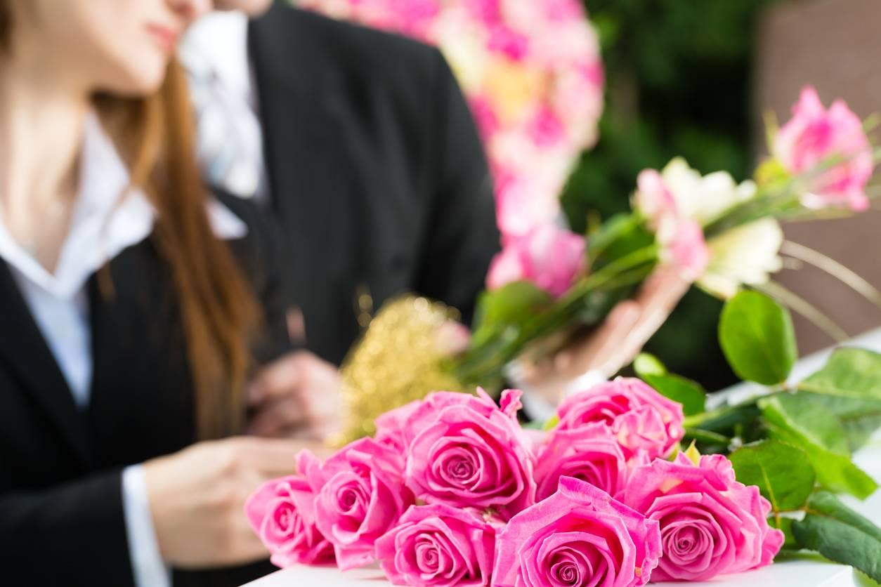choisir gerbe de fleurs pour enterrement